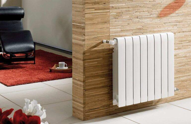 Comprobación de la presión del circuito de calefacción mediante manómetro caldera